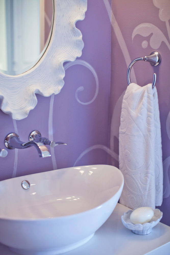 1Home-Decor_purple_bath